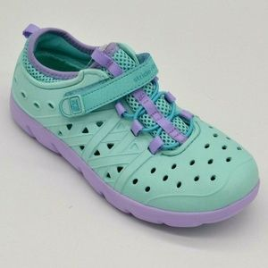 Stride Rite Girls Sneaker Cut Outs Size 1  New